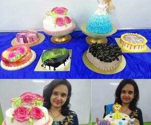 Birthday Cakes + Fondant Cake : Baking & Icing Video Course (Pre-recorded) classes in Pune