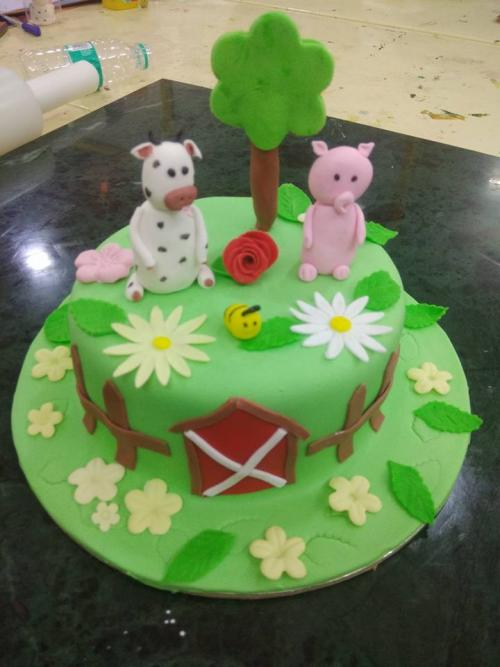 Super duper session on fondant cakes decoration